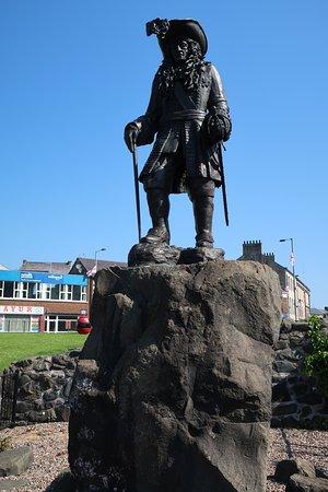 Carrickfergus Castle: Statue of William