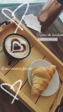 Bonjour Coffee Shop: Pequeno almoço