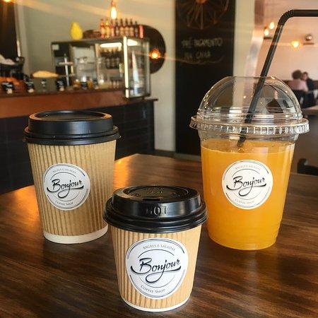 Bonjour Coffee Shop: Take away