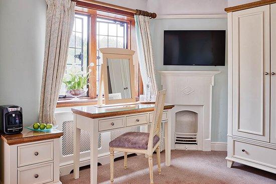 Montagu Arms Hotel: Superior Room
