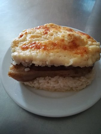 Hliovasilemata: Το πρώτο παραδοσιακό Κασπακινο Burger!!