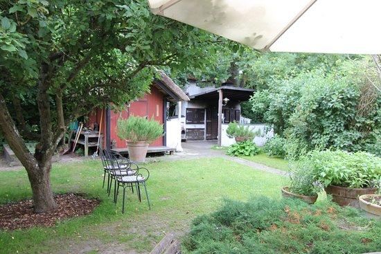 Rogeri Hindsholm: The outside garden area is very 'fynsk'!