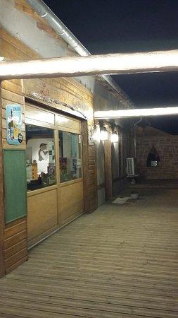 Villefranche-d'Albigeois, ฝรั่งเศส: Entrée du Vieux Cabaret de nuit