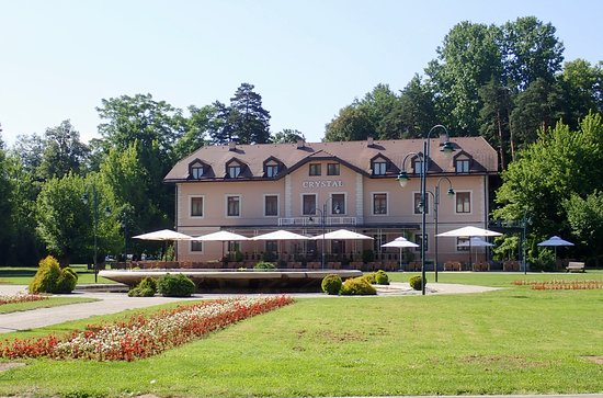 Hotel Crystal: nice, quiet, walking distance from restaurant and services