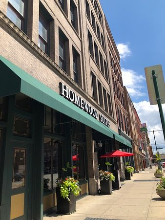 Homewood Suites by Hilton Indianapolis-Downtown : Facade of hotel