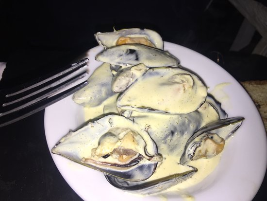 Blowfish Restaurant: Another starter - Mussels in a lovely creamy sauce!