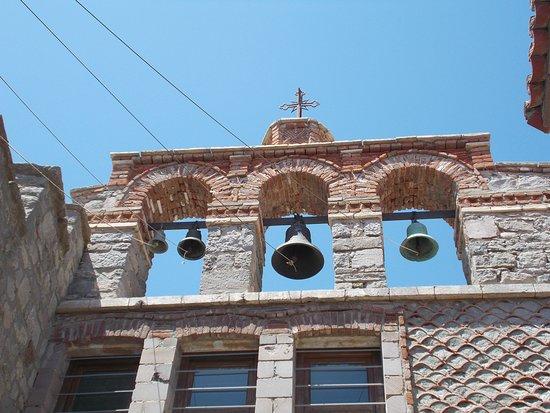 Eresos, Grécia: monastery Ypsilou