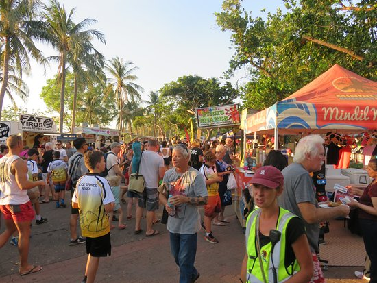 Mindil Beach Markets: The Markets in Full Swing