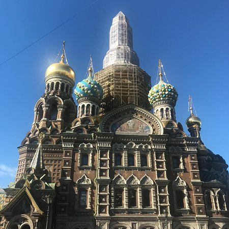 Храм Спаса на Крови: Quite impressive and breath taking. Try to arrive before 5pm as the doors and tours inside close