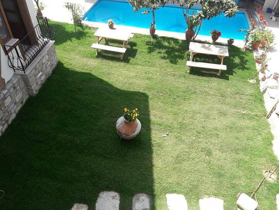 Sezgins Boutique Hotel: Deluxe Room (Room View)