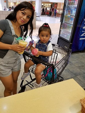 """Maui Wowi Hawaiian Coffee & Smoothies: Ask for a """"Kid-Size"""" smoothie"""