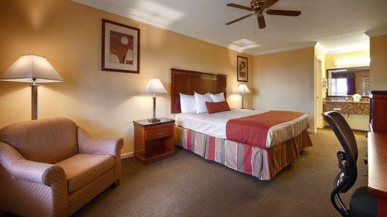 Best Western Heritage Inn: King Guest Room