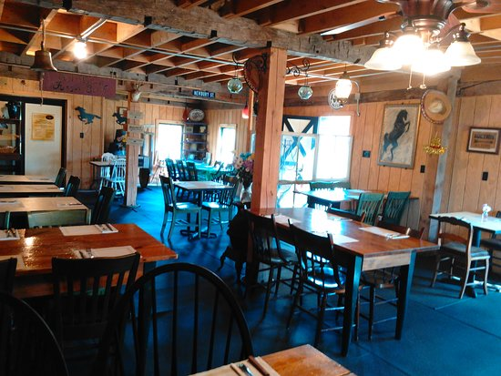 Meridale, Нью-Йорк: Located in a restored historic dairy barn.  Real farm to table food!