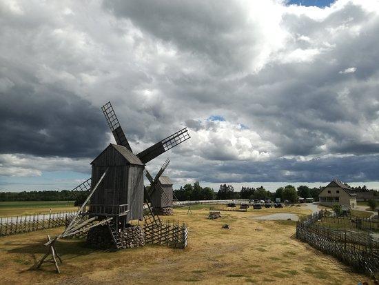 Kuressaare, Estonia: Angla Windmill Park