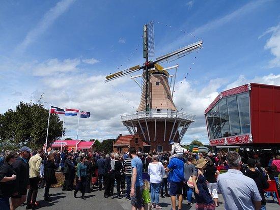 Oranjehof, Dutch Connection Centre