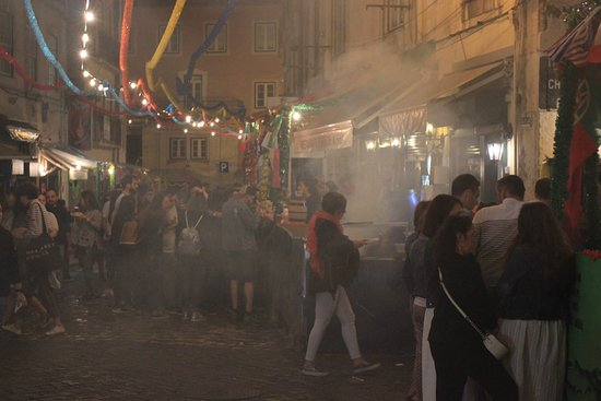 Alfama: Do you smell Sardines in the air?