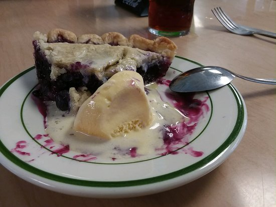 Lecompte, LA: The blueberry pie with ice cream