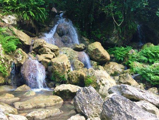 Liktinon White Rocks: White Rocks and stream falls