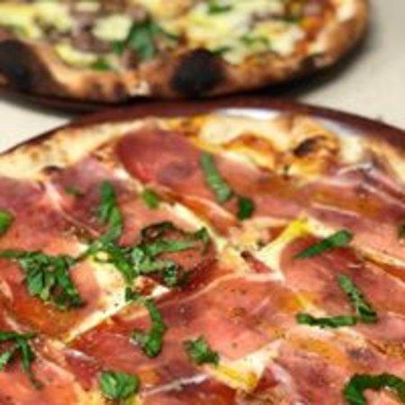 Caffe Roma: Proscuitto Bufala Pizza