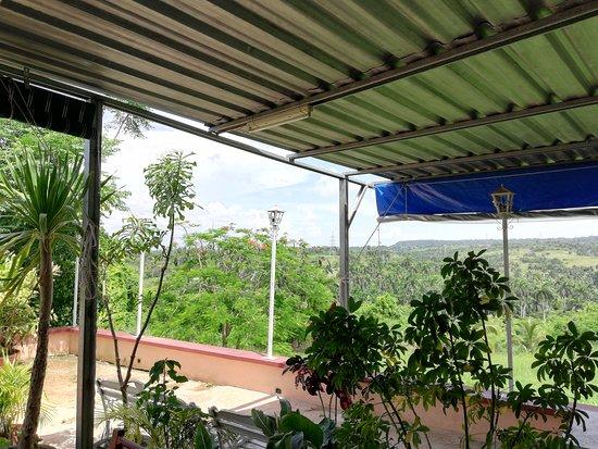 Caimito, Cuba: Paisaje al fondo