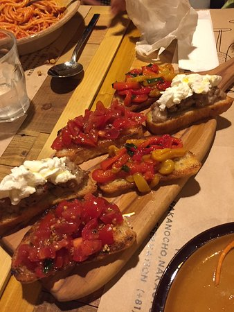 Vinaino Kyoto: The bruschetta....yummm!