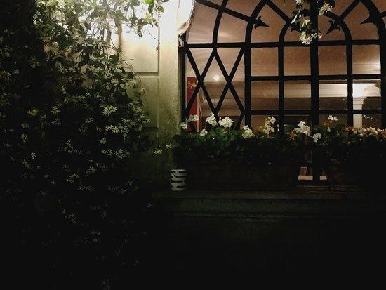 Cantello, Itália: Ogni Anniversario di Matrimonio riviviamo la nostra favola