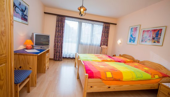 Saas-Almagell, Schweiz: Standard Zimmer:  Einbett / Zweibett / Dreizbett