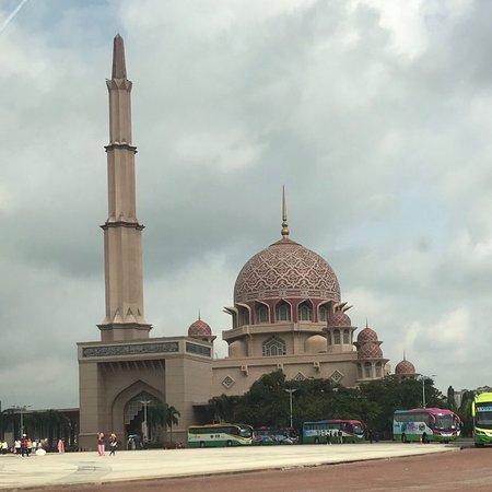 Putra-Moschee (Masjid Putra): Putra Mosque