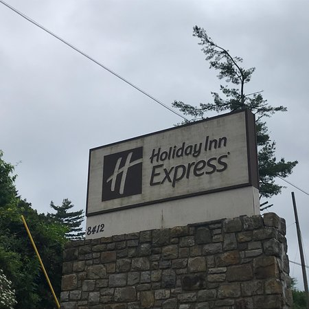 Holiday Inn Express Blowing Rock South: photo0.jpg