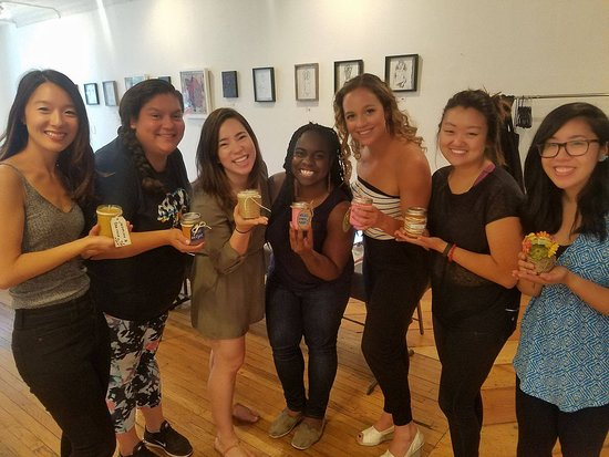 Chicago, IL: Soy Candle Making Classes Private & Public Classes