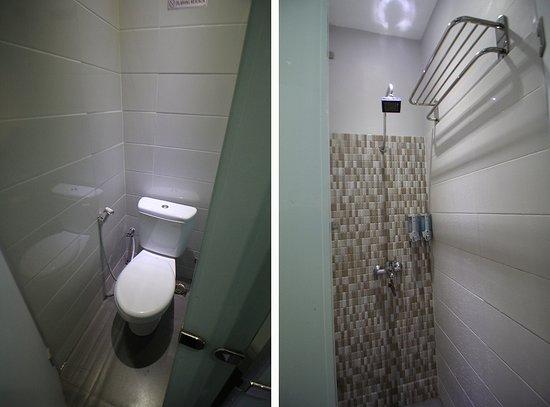 Kamar Mandi Toilet Picture Of Rail Transit Suite Jakarta Tripadvisor