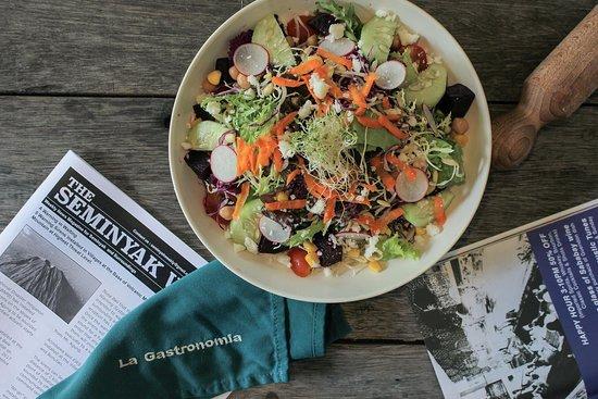 La Gastronomia Bali: Insalata Mista - mixed garden salad, cherry tomato, goat cheese