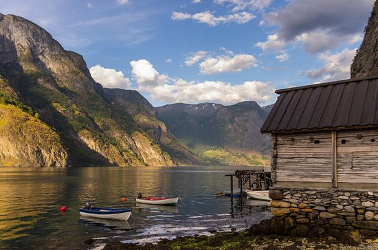 The Scenic Roadtrip - Oslo to Bergen via the fjords by private van