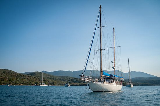 FULL DAY Private Sailing to SPETSES ISLAND: FULL DAY Private Sailing to  SPETSES ISLAND