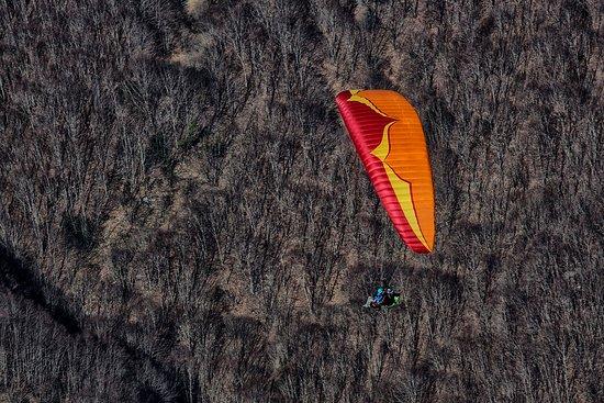 Cloud Hunters -Tandem Paragliding: tandem paragliding amazing flights around Rome.