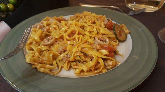 Cucina Tizziano: tagliolini freschi con seppie e zucchine