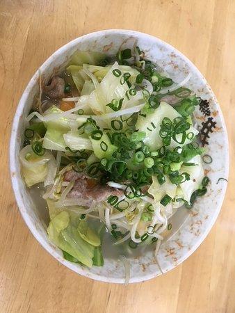 Akaishi Shokudo: 野菜ソバの中。