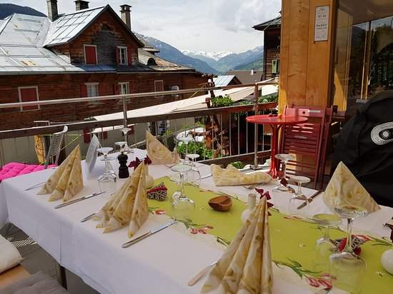 Schlans, สวิตเซอร์แลนด์: Mittagessen mit Bergblick