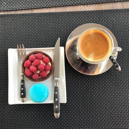 DOLCE: Вкусный кофе. Стильный интерьер