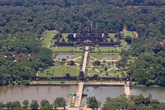 Helistar Cambodia - Helicopter Tours: Angkor Wat
