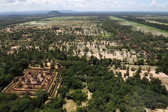 Helistar Cambodia - Helicopter Tours: East Mebon