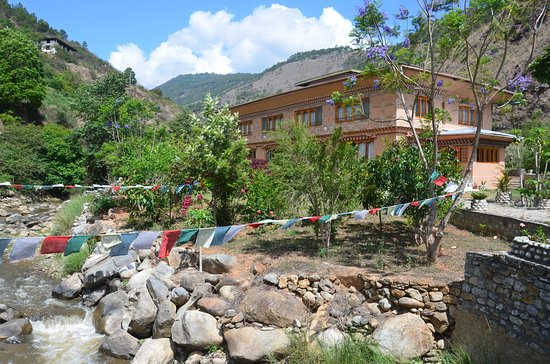 Lobesa Village Restaurant: hotel and river