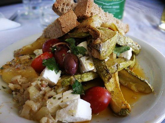 Koukla Beach Restaurant: Koukla salade
