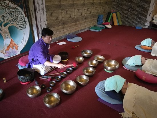 Holy Garden: Singing bowls