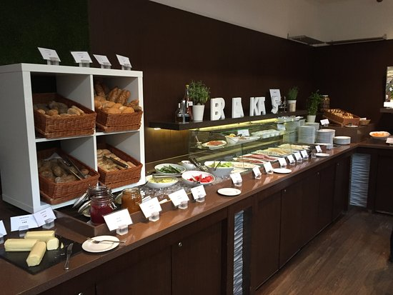 Sofitel Budapest Chain Bridge: This was just the bread and veggies area