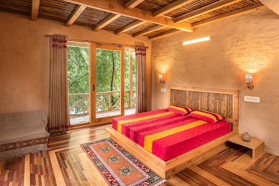 Sunshine Himalayan Cottage - Tirthan Valley: First Floor Rooms !