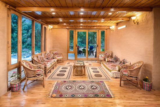 Sunshine Himalayan Cottage - Tirthan Valley: Great Places to rejuvinate ...all having river view !