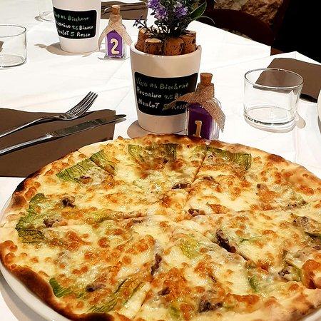 Da Noantri al 41: Pizza fiori di zucca e alici