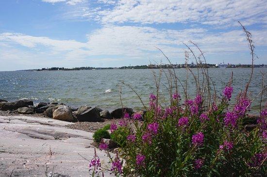 Restaurant Lonna: Views to the city of Helsinki