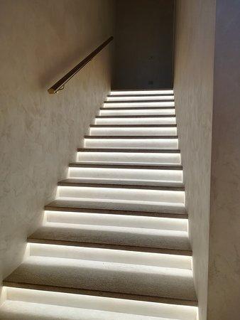 Al 227 Ristorante degli Amici: scalinata